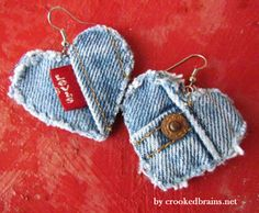 Upcycled denim jeans into earrings Artisanats Denim, Denim Purse, Raw Denim, Jewelry Crafts, Handmade Jewelry, Diy Jewelry Accessories, Recycled Jewelry, Earrings Handmade, Jean Crafts