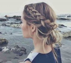 Having long hair is really a matter of vanity for every girl and at the same time managing your long hair seems the most difficult task in the world for you. Getting quick hairstyles for long hair can solve your task easily. Hair Inspo, Hair Inspiration, Fashion Inspiration, Wedding Inspiration, Pretty Hairstyles, Wedding Hairstyles, Hairstyle Ideas, Hairstyles Haircuts, Rainy Day Hairstyles