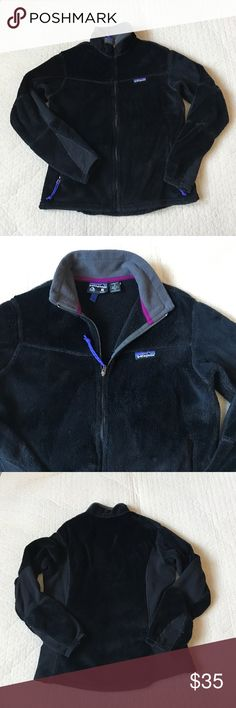 """Patagonia regulator full zip sweatshirt Sz S Patagonia regulator sweatshirt. Sz small. Pretty good condition. Has some piling. Chest flat across 22"""" length 23"""" Patagonia Sweaters"""