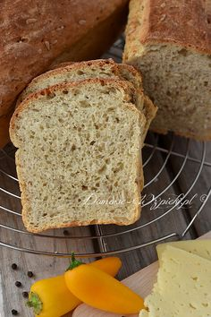 Drożdżowy chleb babci Władzi Kefir, Fries, Muffins, Food, Breads, Hoods, Meals, Braided Pigtails, Bread