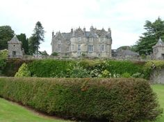 Torosay Castle, Isle of Mull Scotland Castles, Scottish Castles, Take The High Road, Chateaus, Royal Palace, Ancient Architecture, Cathedrals, Holiday Destinations, Palaces