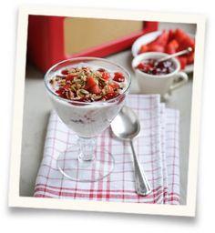 Cranachan with Homemade Granola and Yoghurt | Sweet Eve Strawberries ...