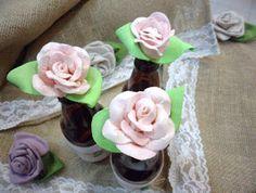 Ateliê Le Mimo: FLORES e ARRANJOS Garrafinhas com rosas de EVA