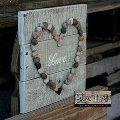 """Wood Pallet Sign, LOVE with Rock Heart, Rustic Pallet Art x Holzpalette Zeichen, Liebe mit Rock Heart, rustikale Palette Kunst 10 """"x – – Wood Pallet Signs, Pallet Art, Wood Pallets, Pallet Ideas, Diy Pallet, Beach Wood Signs, Pallet Walls, Pallet Patio, Wood Ideas"""