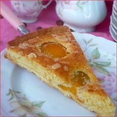 Tarte amandine aux abricots - Voici une délicieuse tarte amandine aux abricots, je peux vous assurer que c'est un régal ! La pâte sucrée, les abricots ...
