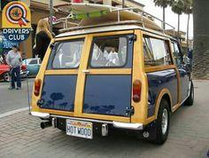 . Mini Cooper Classic, Classic Mini, Family Chiropractic, Design Cars, Mini Countryman, Old Skool, Mini Me, Vintage Love, Cool Cars