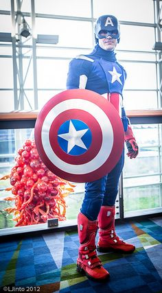 Sharp Captain America cosplay