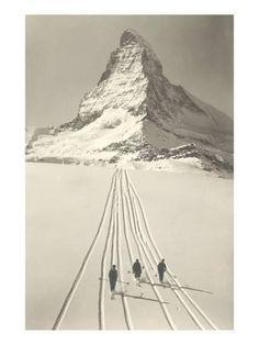 Vintage Ski Vintage Ski Like if you can do a gelandesprung Nordic Skiing, Alpine Skiing, Images Murales, Vintage Ski Posters, Stations De Ski, Zermatt, Cross Country Skiing, Vintage Photography, Photography Photos