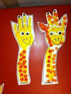 giraffe crafts for kids preschool * giraffe crafts for kids ; giraffe crafts for kids preschool ; giraffe crafts for kids projects Jungle Crafts, Giraffe Crafts, Animal Crafts For Kids, Art For Kids, Safari Animal Crafts, Safari Crafts Kids, Jungle Art Projects, Zoo Giraffe, Animal Activities For Kids