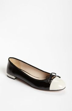 As mentioned before, I'm not a big Prada fan, but I do think they make the greatest flats. These instantly feminize the androgynous fashion that I adore.