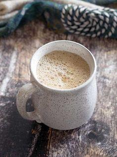 Slow Cooker vegan maple pumpkin latte - perfect for fall! Vegan Slow Cooker, Slow Cooker Recipes, Crockpot Recipes, Delicious Vegan Recipes, Healthy Recipes, Gf Recipes, Healthy Foods, Sweet Recipes, Vegetarian Recipes