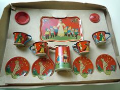 VINTAGE TIN TEA SET FAIRY TALES SNOW WHITE HANSEL GRETEL 12 PC MIB GERMANY 1930s