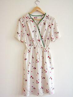 White Kite Pattern Vintage Dress. Japanese cocktail dress. 70s Dress. on Etsy, 39,00€