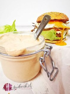 Hamburger Sauce, Burger Co, Beste Burger, Beef Dishes, Food Inspiration, Sandwiches, Food And Drink, Favorite Recipes, Salsa