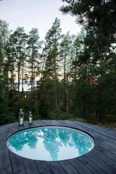 Simple and Chic Round Hot Tub Ideas for Minimalist Look Outdoor Spaces, Outdoor Living, Round Hot Tub, Spa Jacuzzi, Garden Pool, Cabins In The Woods, Pool Designs, Outdoor Gardens, Landscaping