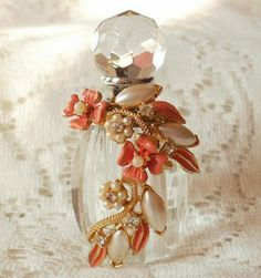 PictoVista: Pretty Perfume Bottles