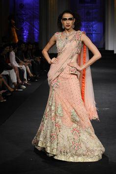 Scarlet Bindi - South Asian Fashion: Aamby Valley Fashion Week 2012 Day 5 & 6: Falguni and Shane Peacock, Pallavi Jaikishan, and Vikram Phadnis