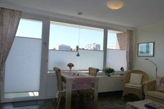 Ferienwohnung L�bke Westerland Ferienwohnung L?bke is a self-catering accommodation located in Westerland. The property is 500 m from Sylter Welle waterpark and 500 m from the popular Friedrichstra?e.  The apartment will comes with a flat-screen cable TV and a balcony.