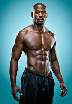 Dolvett Quince ... main reason i watch STARS EARN STRIPES!!!
