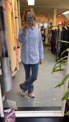 Blouse Endless 50 points / Flared jeans MUD 50 points Flare Jeans, Mud, Catwalk, Raincoat, Blouse, Jackets, Outfits, Collection, Tops