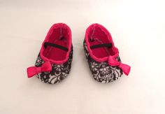 Adorable Felt Baby Girl Shoes