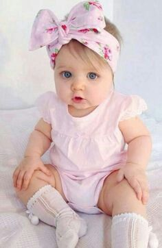 What an adorable little outfit for a baby!    #bow #prettyinpink #adorable #toocute #littlegirl #princess