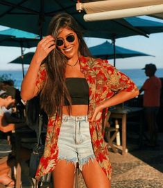 Shorts jeans feminino, camisa jeans feminina, roupas curtas, look praia, sa Trendy Outfits, Cool Outfits, Fashion Outfits, Womens Fashion, Tumblr Summer Outfits, Style Vintage, Outfit Goals, Look Chic, Mode Inspiration