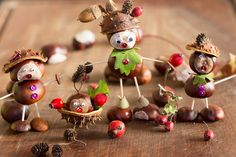 Autumn: handicrafts with chestnuts for children. Here you will find great craft ideas with . - Fall Crafts For Kids Cheap Fall Crafts For Kids, Easy Toddler Crafts, Easy Fall Crafts, Diy Crafts To Do, Summer Crafts, Diy Pour Enfants, Local Craft Fairs, Christmas Crafts, Christmas Ornaments