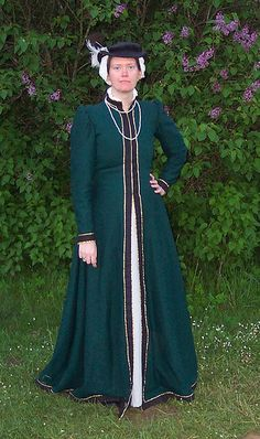 """Lia de Thornegge  English Fitted Gown  Me in my English fitted gown, made after the pattern in """"The Tudor Tailor""""."""