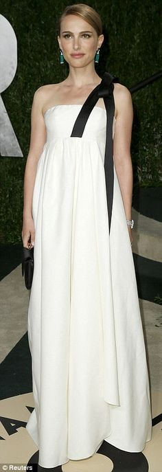 Between this and Jennifer Lawrence's dress I think that it is clear that Dior won the Oscars.    Natalie Portman - Vanity Fair Oscars Party 2013 in Christian Dior