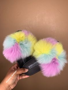 Nike Slippers, Fuzzy Slippers, Kid Shoes, Cute Shoes, Fluffy Shoes, Cute Sleepwear, Slippers For Girls, Swag Outfits For Girls, Faux Fur Boots