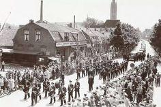 Groest, Hilversum. De begrafenis van oud burgermeester Mr. Jacques A. G. van Hellenberg Hubar , 8 juni 1951