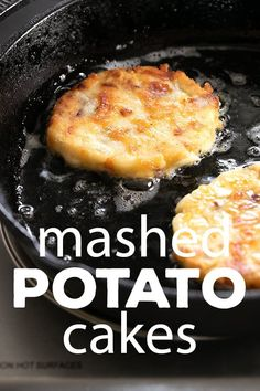 These crispy, cheesy mashed potato cakes are the best way to give new life to leftover mashed potatoes. Don't let those spuds go to waste! Fried Mashed Potatoes, Creamed Potatoes, Mashed Potato Recipes, Potato Dishes, Food Dishes, Cheesy Potatoes, Baked Potatoes, Potatoe Cakes Recipe, Mashed Potato Fritters Recipe