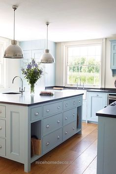 Kitchen Design : Blue Cabinets Kitchen Kitchen Paint Colors With Maple Cabinets' Light Blue Kitchen Cabinets' Popular Kitchen Colors or Kitchen Designs Kitchen Cabinet Inspiration, Kitchen Cabinet Colors, Kitchen Units, Painting Kitchen Cabinets, Kitchen Paint, Kitchen Colors, New Kitchen, Kitchen Decor, Cabinet Ideas
