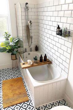 Small Bathroom With Bath, Bathroom Design Small, Bathroom Layout, Bathroom Interior Design, Bathroom Ideas, Budget Bathroom, Small Bathrooms, Bath Ideas, Bathtub Tile