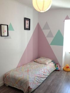 Awesome Deco Chambre Triangle that you must know, You?re in good company if you?re looking for Deco Chambre Triangle Bedroom Wall, Girls Bedroom, Bedroom Decor, Bedroom Ideas, Geometric Wall Paint, Geometric Shapes, Geometric Graphic, Geometric Patterns, Kids Room Design