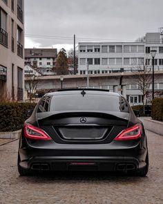 Mercedes Benz Cls Amg, Mercedes Cls550, Cls 63 Amg, Car Poses, Mercedes Wallpaper, Amg Car, Porsche 911 Targa, Top Luxury Cars, Custom Cars