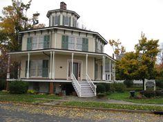 Rich-Twinn Octagon House | OpenBuildings