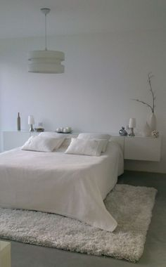 Small Master Bedroom Ideas for Couples Decor. The ideas presented in this article will be of great use while you are preparing to decorate a master bedroom, especially if you have a small master bedroom. Home Bedroom Design, Home Decor Bedroom, Bedroom Furniture, Bedroom Ideas, Bedroom Images, Office Furniture, Cosy Bedroom, White Bedroom, Small Master Bedroom