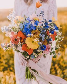 33 Wildflower Wedding Bouquets Not Just For The Country Wedding Poppy Wedding Bouquets, Bridal Flowers, Bouquet Flowers, Country Wedding Bouquets, Wildflower Bridal Bouquets, Floral Bouquets, Early Spring Wedding, Late Summer Weddings, Fields Of Gold
