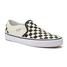 With a checkered pattern, these women's Vans Asher skate shoes complete your look. Suede Skate Shoes, Mens Skate Shoes, Vans Shoes, Women's Vans, Converse, Pink Vans, Black Vans, Full Figure Bras, Frauen In High Heels