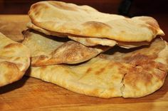 Make your own pita bread in 10 steps