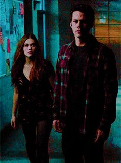 Lydia Martin and Stiles A Teen Wolf Stydia, Teen Wolf Dylan, Teen Wolf Cast, Dylan O'brien, Celebrity Books, Celebrity Couples, Chad And Abby, Teen Wolf Ships, Stiles And Lydia