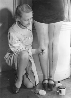 Max Factor stocking paint, 1940