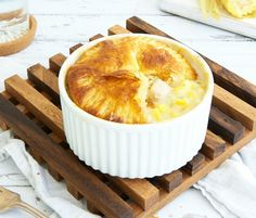 These individual Chicken and Corn Pot Pies look and taste impressive but are actually so easy to prepare. Just 316 calories per serve. Healthy Cooking, Cooking Recipes, Healthy Eating, Healthy Snacks, Healthy Mummy Recipes, Frozen Pastry, Vegetable Pie, Chicken And Vegetables, Pot Pies