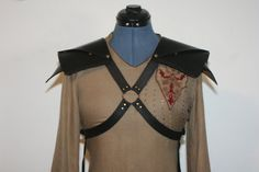 Great for Larp, Belegarth, or Renaissance Faires~~~~~~Black Leather Pauldrons/Spaulders by Versalla on Etsy