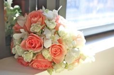 Wedding Flowers by Floral Design Sydney - Wedding PositiveLifeMagazine Peach Bouquet, Peach Flowers, Love Flowers, Wedding Flowers, Wedding Stuff, Wedding Ideas, Flower Company, Sydney Wedding, Cream Roses