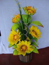 Resultado de imagem para como fazer flores de eva com frisadores