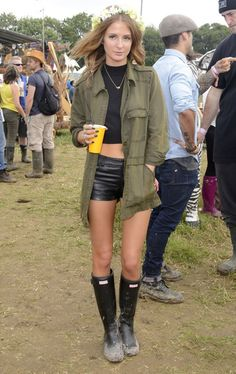 Glastonbury Street Style Pictures June 2013 Glastonbury Street Style Pictures June 2013 edgy summer music festival outfit The post Glastonbury Street Style Pictures June 2013 appeared first on New Ideas. Festival Mode, Festival Chic, Festival Looks, Festival Wear, Festival Fashion, Summer Music Festivals, Music Festival Outfits, Millie Mackintosh Made In Chelsea, Look Hippie Chic