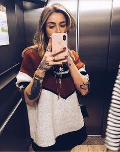Cozy Fashion, Autumn Fashion, Girl Tattoos Pictures, Knuckle Tattoos, Sleeve Tattoos, Neck Tattoos, Dragon Tattoos, Tatoos, Well Dressed